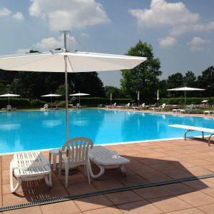 parasol-infina-piscine