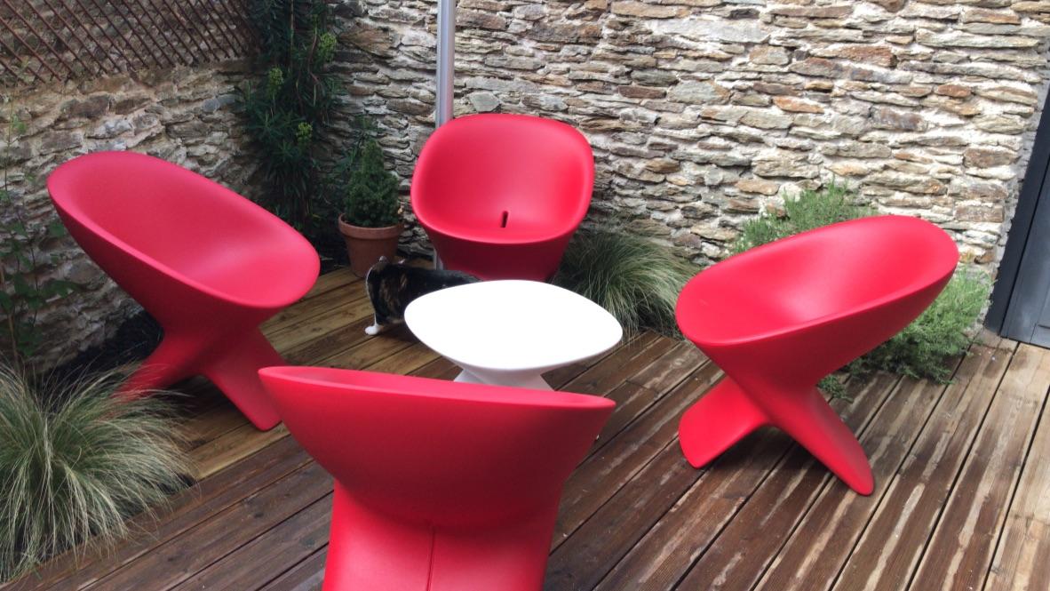 fauteuils et table ublo