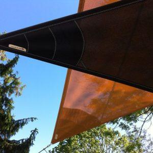 voile_ombrage_sur_mesure_gris_orange_3